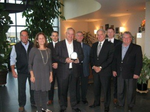 (left to right): Pierre Laberge (Laberge Group), Hélène Gagné (Foundation), Nicolas Bélanger (Enterprise), Richard G. Roy (President and CEO of Uni-Select and Québec Silver Heart Award recipient), Denis Poirier (Spectra Premium), Bernard Grandmont (Raymond Chabot Grant Thornton) and Fraser Bourne (McCarthy Tétreault).